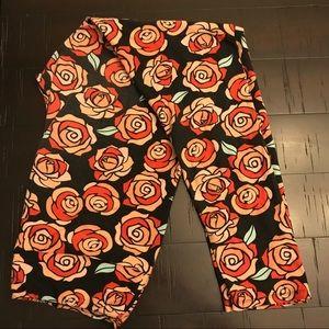 LuLaRoe Pants - LuLaRoe roses w/ black legging TC